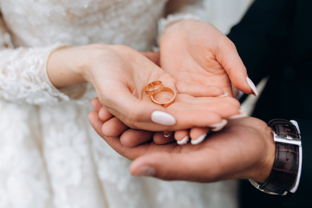 ازدواج در سال کنکور-عشق و عاشقی و روابط عاطفی در دوران کنکور+مشاوره رایگان